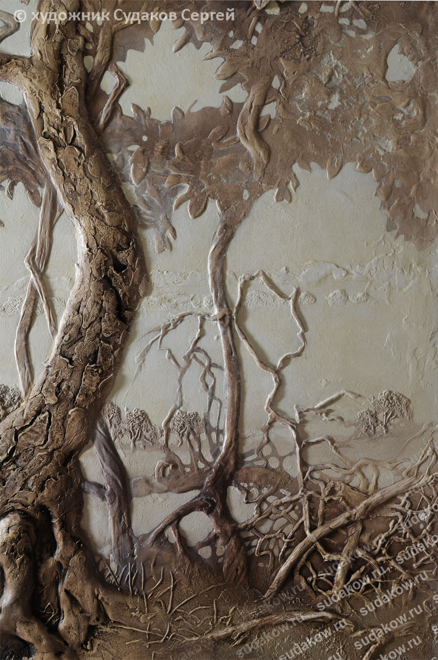 дерево рельефное на стене