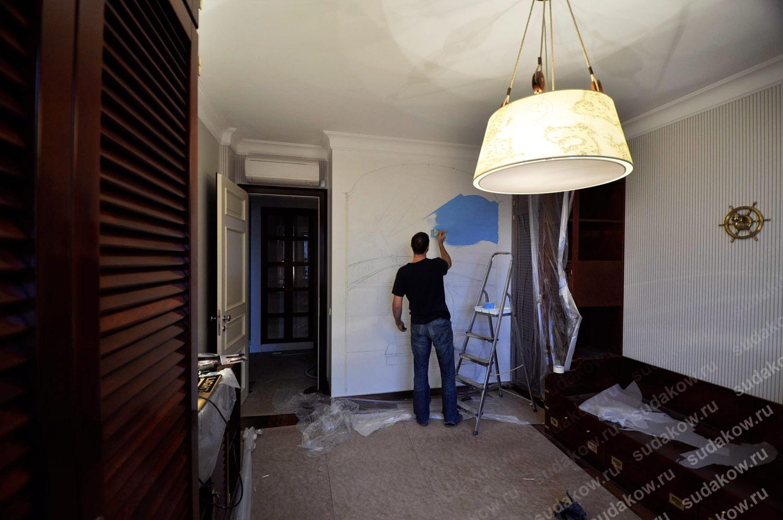 роспись стен нанесение краски